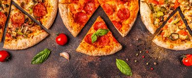 Reeks verschillende pizza's stock foto
