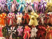 Reeks verschillende stijlen en multikleuren van giftenlint in gift Royalty-vrije Stock Fotografie