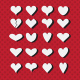 Reeks verschillende witte pictogrammen van hartvormen op moderne rode gestippelde achtergrond Royalty-vrije Stock Afbeelding