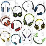 Reeks vlak gekleurde hoofdtelefoons vector illustratie
