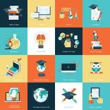 Reeks vlakke ontwerppictogrammen voor onderwijs Stock Afbeeldingen