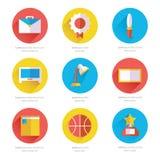 Reeks vlakke school en onderwijs geplaatste pictogrammen Stock Fotografie