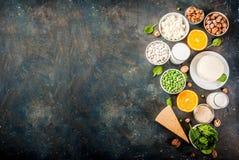 Reeks voedselrijken in calcium royalty-vrije stock afbeelding