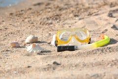 Reeks voor het snorkelen op zand royalty-vrije stock foto's