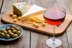 Reeks wijn en voorgerechten royalty-vrije stock foto's