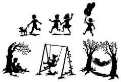 Reeksen silhouetkinderen in ontspanning (vector) stock illustratie