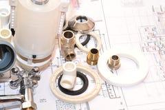 Reemplazo de los accesorios de la fontanería Foto de archivo