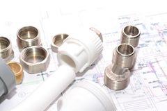 Reemplazo de los accesorios de la fontanería ingeniería Fotografía de archivo libre de regalías