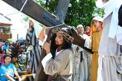 Reenactment av döden av Jesus Christ Royaltyfria Bilder