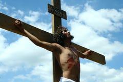 Reenactment av döden av Jesus Christ Arkivfoton