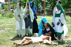 Reenactment av döden av Jesus Christ Fotografering för Bildbyråer