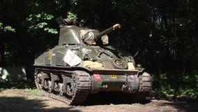 Reenactment przedstawienie, wojny światowej dwa amerykanina Sherman zbiornik zbiory wideo
