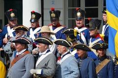 Reenactment: Svenska Carolean soldater från 1700 Royaltyfri Fotografi