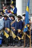 Reenactment: Svenska Carolean soldater från 1700 Arkivbild
