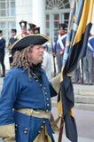Reenactment: Svenska Carolean soldater från 1700 Arkivfoto