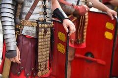 Reenactment z rzymskimi żołnierzy mundurami Fotografia Stock