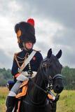 Reenactor jedzie konia przy Borodino batalistycznym dziejowym reenactment w Rosja Obrazy Stock
