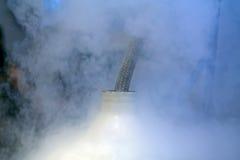 Reenchimento do nitrogênio líquido Imagens de Stock Royalty Free