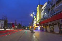 Reeperbahn在晚上在汉堡 库存图片