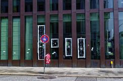 Reeperbahn en la ciudad de Hamburgo Alemania Europa el distrito del entretenimiento en el distrito de St Pauli un día después de  Imagenes de archivo