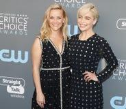 Reese Witherspoon и Emilia Кларк Стоковое Изображение RF
