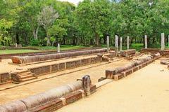 Refectorio principal del monasterio de Abhayagiri, patrimonio mundial de la UNESCO de Sri Lanka Imagen de archivo