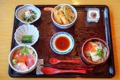 Refeição ajustada japonesa deliciosa, barato imagem de stock
