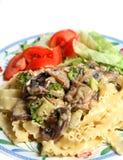 Refeição da salada de massa do molho de creme do cogumelo do vegetariano Fotos de Stock Royalty Free