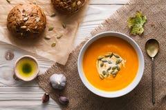 Refeição tradicional da sopa da abóbora foto de stock royalty free