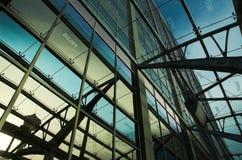 Refelctions dell'edificio per uffici Fotografie Stock Libere da Diritti