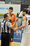 The referee talks with the players Royalty Free Stock Images