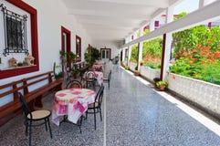 Refettorio nel monastero di Panagia Kalyviani sull'isola di Creta, Grecia Fotografia Stock