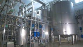 refinaria Lubrifique, abasteça a construção do encanamento dentro da fábrica da refinaria video estoque