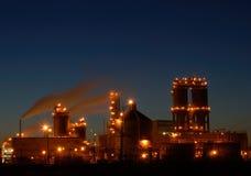 Refinaria na noite em Montreal A1 Imagens de Stock