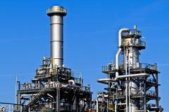 Refinería de petróleo (cielo azul) imágenes de archivo libres de regalías