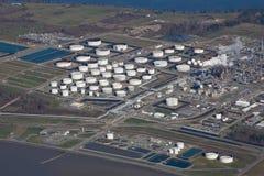 Refinería de petróleo del sonido de Puget Foto de archivo