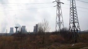 Refinería de petróleo hevily que contamina el ambiente metrajes