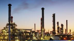 Refinería de petróleo - industria petroquímica fotografía de archivo