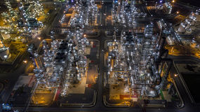 Refinería de petróleo de la visión aérea Imagen de archivo