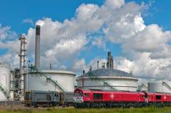 Refinería de petróleo y del gas fotos de archivo libres de regalías