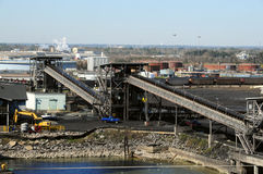 Refinería del carbón Imágenes de archivo libres de regalías