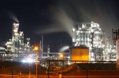 Refinería petroquímica de petróleo y del gas foto de archivo libre de regalías