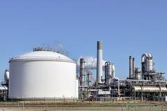Refinería del producto químico y de petróleo Fotos de archivo libres de regalías