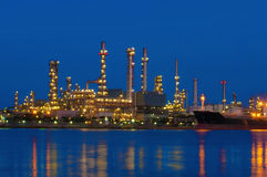 Free Refinery Royalty Free Stock Photography - 25938577