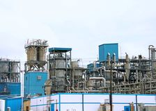 A REFINERY IN HOUSTON/GALVESTON AREA. THIS IS A REFINERY  I SAW WHEN I WAS IN TEXAS AND FOUND VERY INTERESTING.  IT HAS A WEB OF PIPES AND TUBES AND LADDERS AND Stock Photos