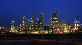 Refinery at night Royalty Free Stock Images
