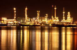 Refinery oil plant at night Royalty Free Stock Image
