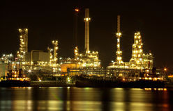 Refinery oil plant at night Royalty Free Stock Images