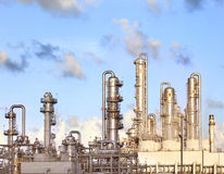 Refinery petrochemical plant in heavy industry estate Stock Images