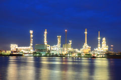 Refinery plant area at twilight Royalty Free Stock Photo